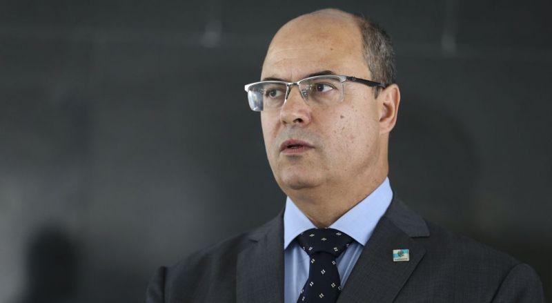À espera de informação do STJ, comissão de impeachment de Witzel suspende prazo
