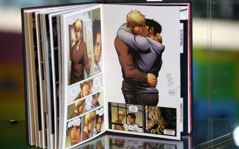 Justiça do Rio autoriza recolhimento de livros com temática LGBT na Bienal