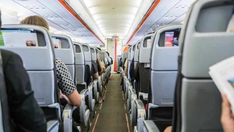 Proibição de passagem na primeira classe dará economia de R$ 2,5 milhões