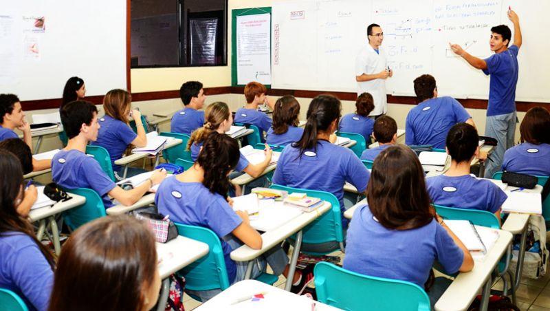 Revisão no ensino médio prevê ao menos duas formações para estudantes