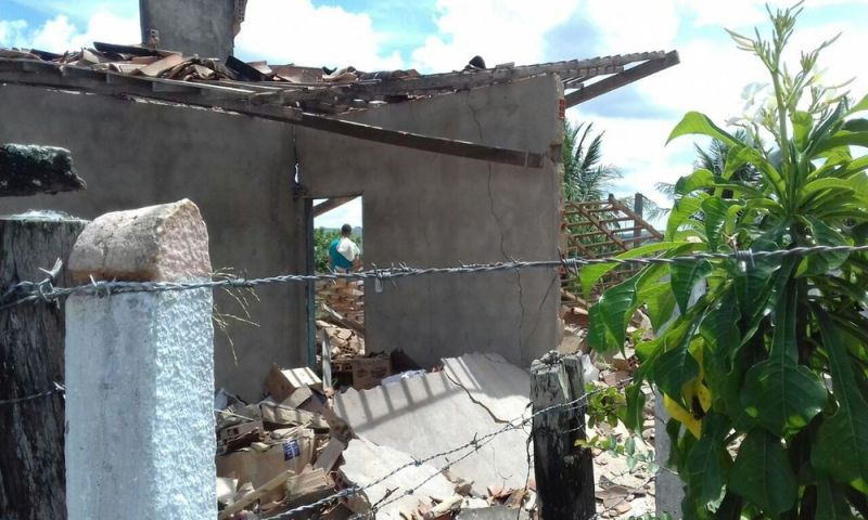 Fábrica clandestina de fogos de artifício explode e destrói casas em Sergipe