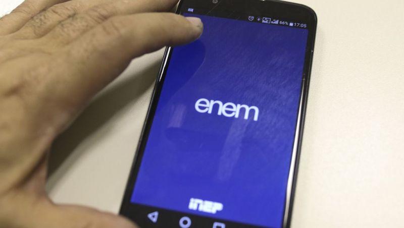 Piloto do Enem Digital pode ter 100 mil participantes, diz ministro
