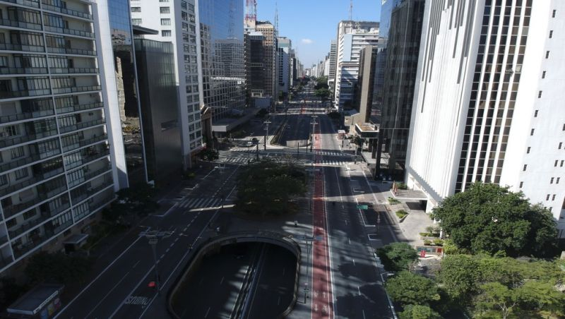 Emissão de gases poluentes caem 17% no mundo e 25% no Brasil