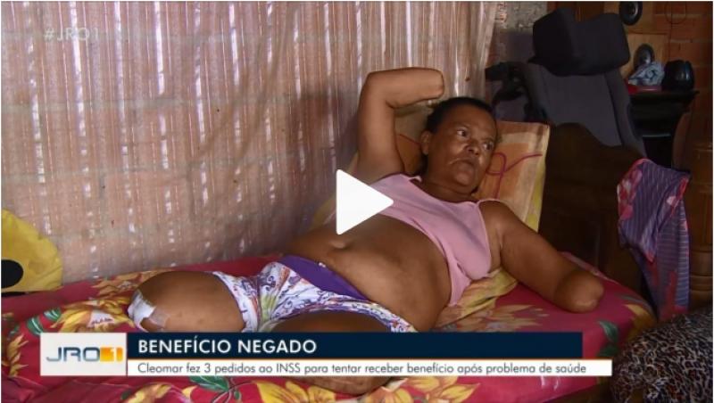 Mulher sem mãos e pernas tem pedido de benefício negado pelo INSS por não poder assinar papel, em RO