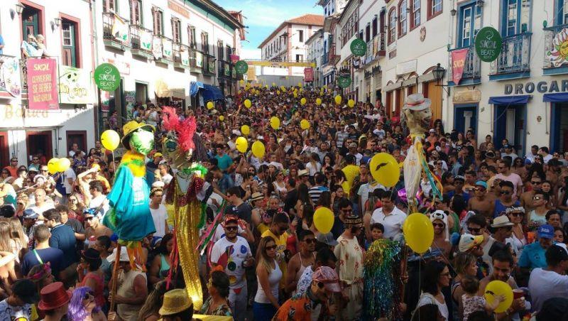Confira destinos de Minas que prometem um Carnaval inesquecível