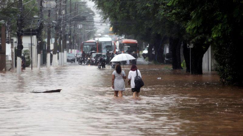 Capital paulista tem maior volume de chuvas para fevereiro em 77 anos