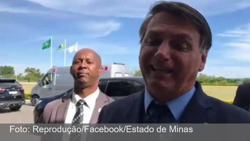 Bolsonaro faz ironia sobre eficácia da Coronavac