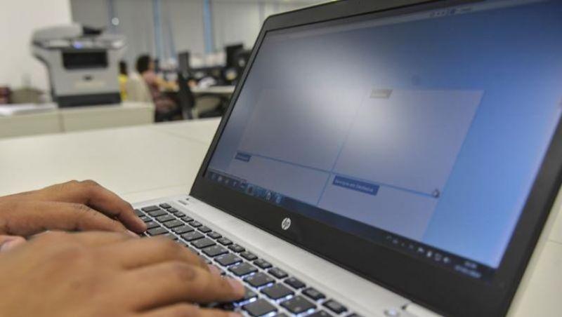 Relatório aponta manipulação em redes sociais em 48 países