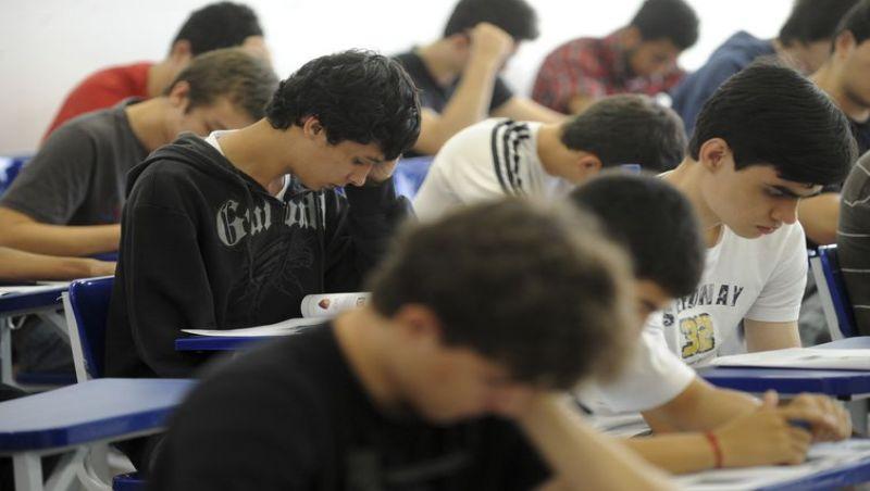 Governo anuncia recursos de R$ 600 milhões para o ensino médio