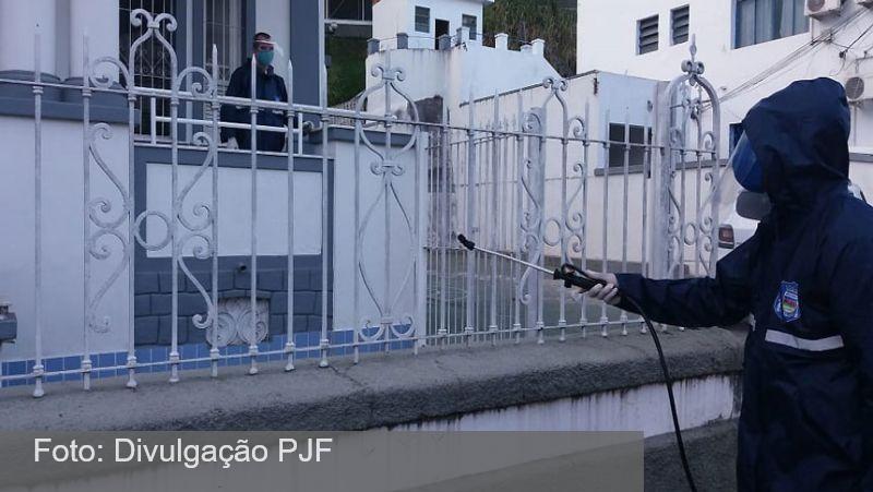 Guarda Municipal de Juiz de Fora promove descontaminação contra coronavírus em 12 locais diferentes