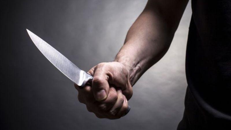 Ex-hóspede armado de faca assalta hotel no Centro de JF