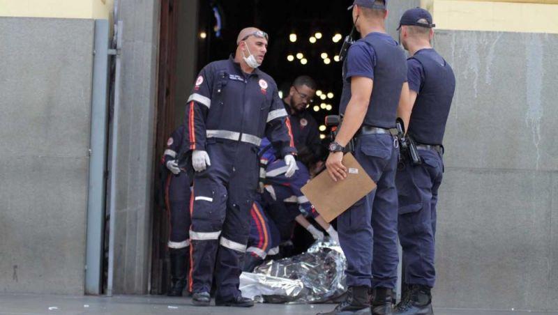 'Ninguém pôde fazer nada; foram mais de 20 tiros', conta padre