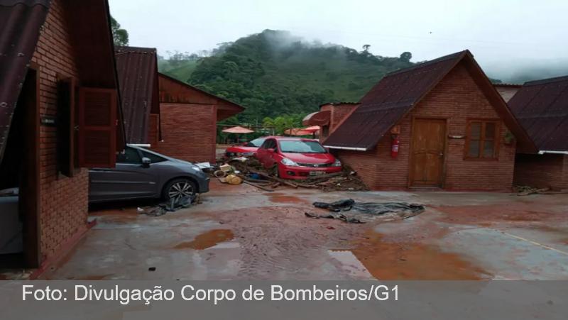 Prefeitura declara situação de emergência após tromba d'água atingir Barbacena