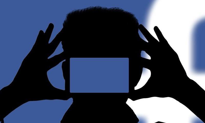 Facebook pergunta a usuários se um homem pode pedir nudes a uma criança