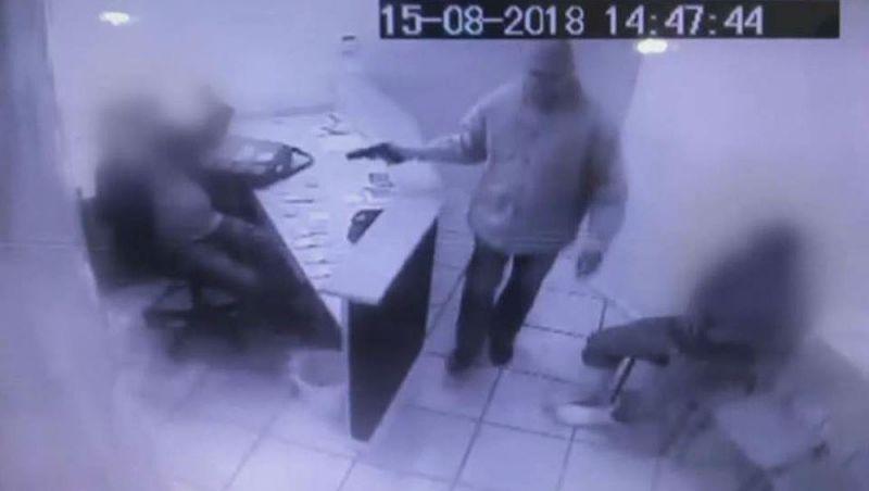 Polícia Civil investiga roubo a escritório de restaurante em Juiz de Fora; veja vídeo