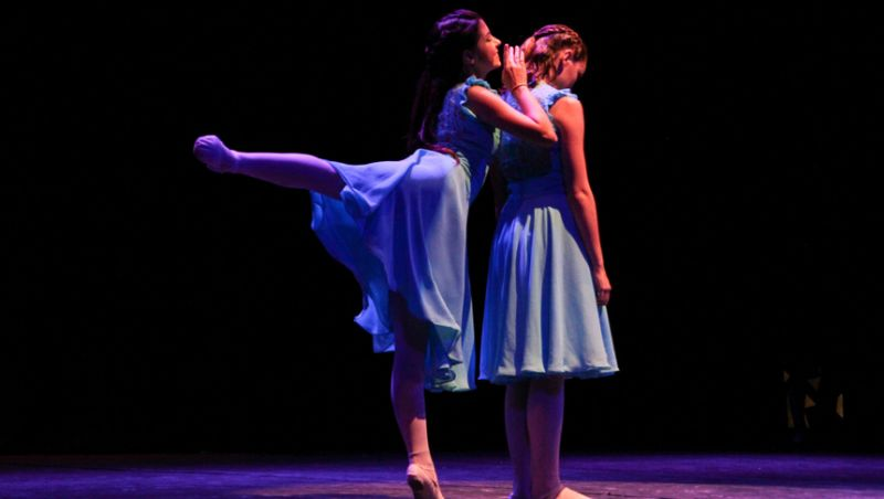 """Teatro """"Paschoal"""" recebe espetáculo de balé clássico com temática rural em JF"""