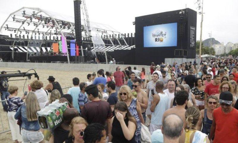 Em Copacabana, tudo pronto para a festa da virada que deve atrair 3 milhões de pessoas