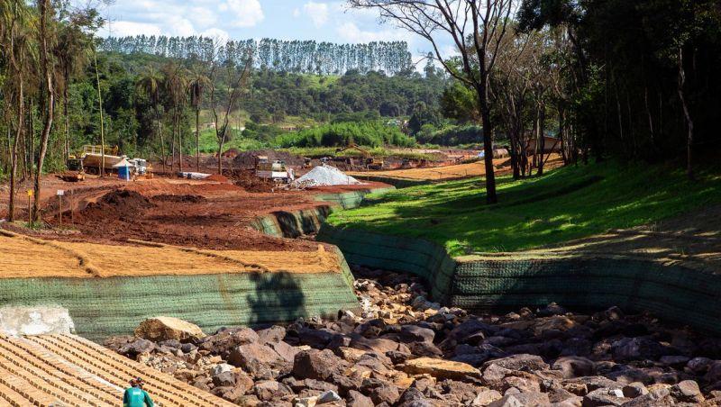 Vale paga multas ao governo mineiro, mas questiona cobranças do Ibama