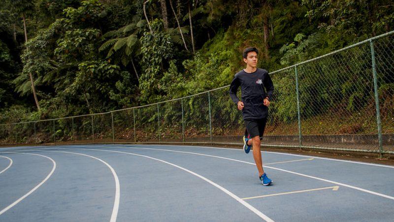 Aluno da UFJF quebra recorde mineiro em campeonato de atletismo