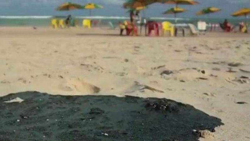 Consumidor pode remarcar viagem a praias atingidas por mancha de óleo