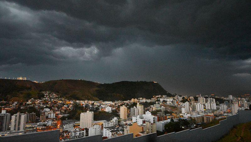 Inmet emite alerta de perigo para chuvas fortes em Juiz de Fora