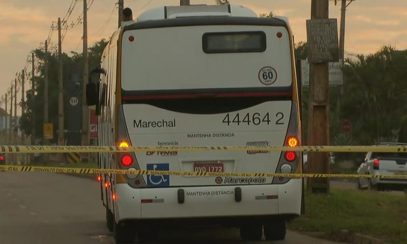 Mulher tenta fugir de assalto a ônibus no DF e morre atropelada