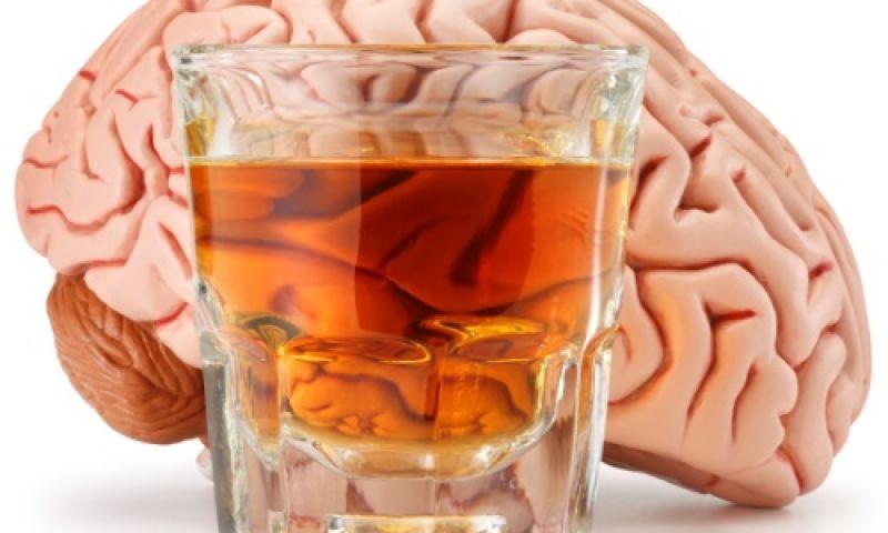 Como o álcool age sobre o cérebro? Ciência explica bebedeira
