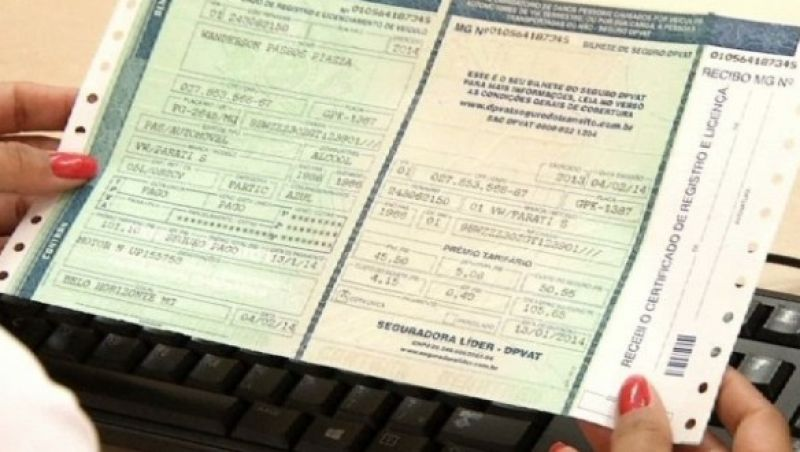 Taxa de Licenciamento de veículo (TRLAV) vence na próxima segunda-feira em Minas