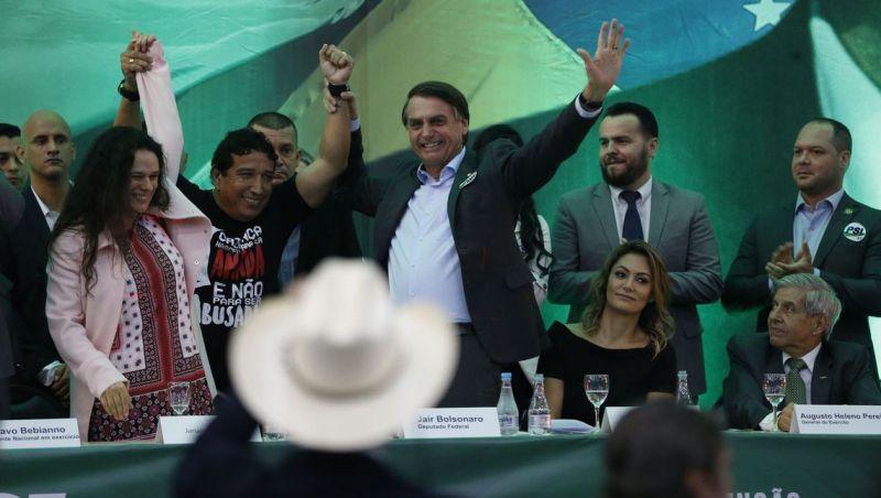PSL oficializa Bolsonaro como candidato à Presidência