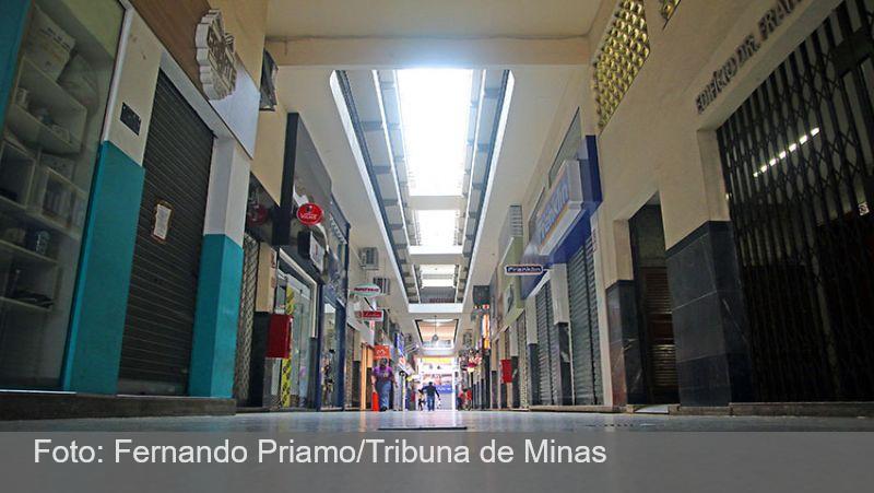 PJF volta à faixa vermelha e reajusta decreto para atividades de comércio e serviços