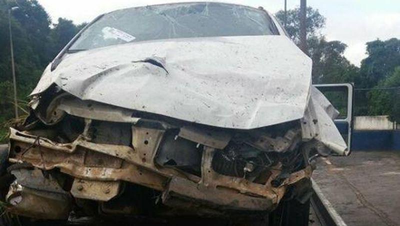 Colisão entre dois veículos deixa uma pessoa morta na BR-267 em Bicas