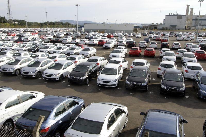 Discussão sobre setor automotivo traz ministro argentino ao Brasil