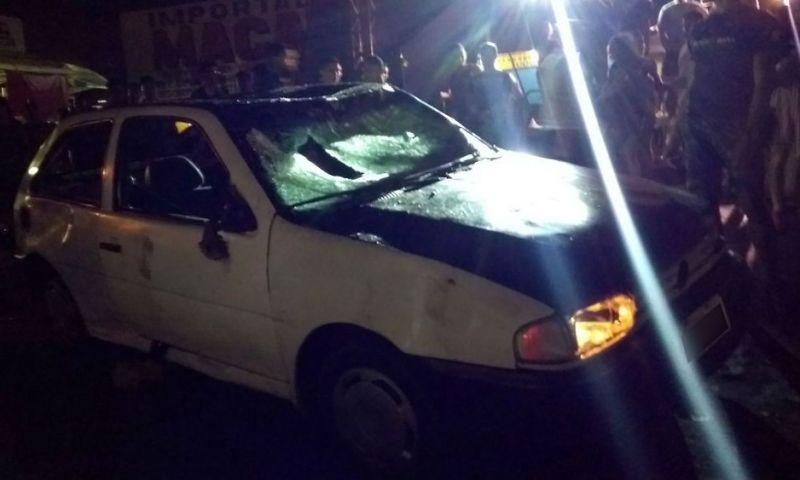 Motorista invade festa de carnaval e tem carro depredado em Macapá
