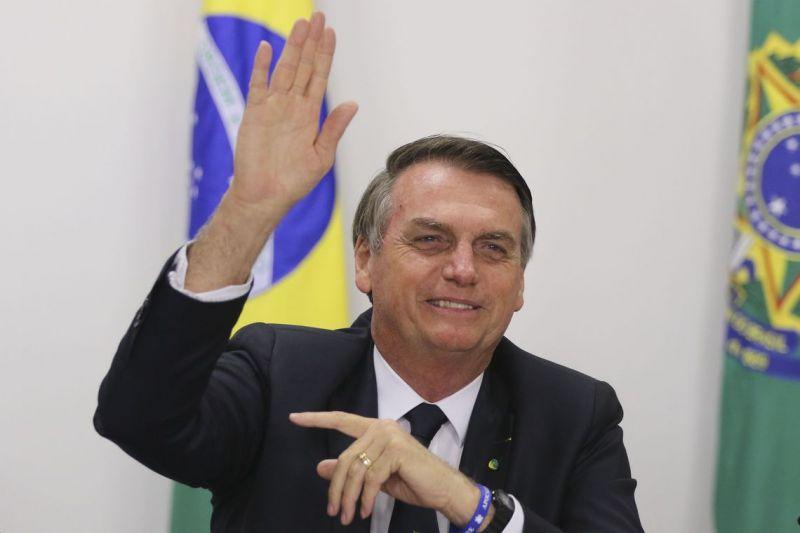 No Texas, Bolsonaro se encontra com Bush e recebe homenagem
