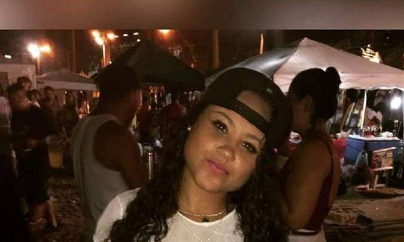 Adolescente reage assalto e é morta comtiro na cabeça no Rio.