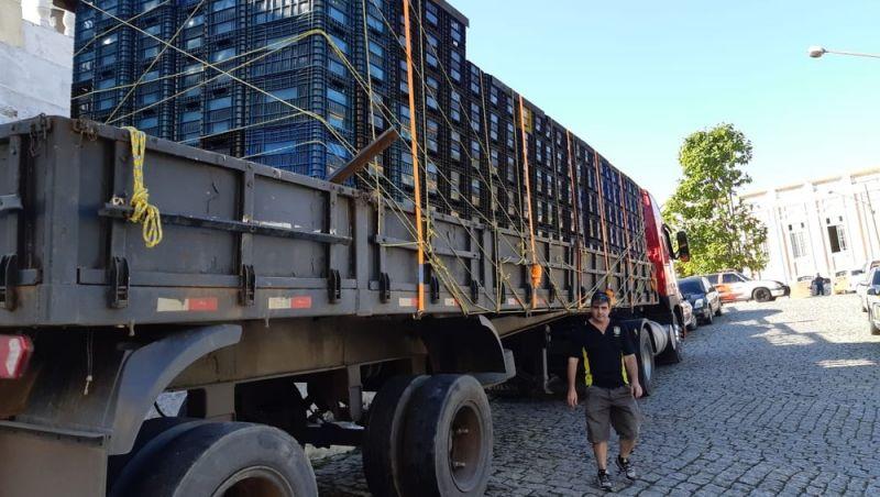 Blitz intercepta na Dutra caminhão que levava 1,6 tonelada de maconha ao RJ