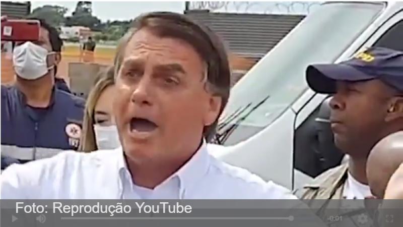 Bolsonaro: 'Tem idiota que diz 'vai comprar vacina'. Só se for na casa da tua mãe'