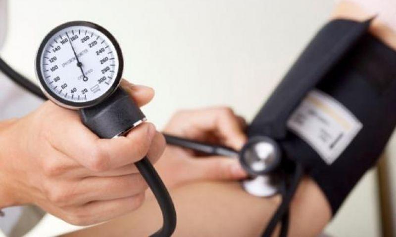 Dormir mal aumenta o risco de hipertensão