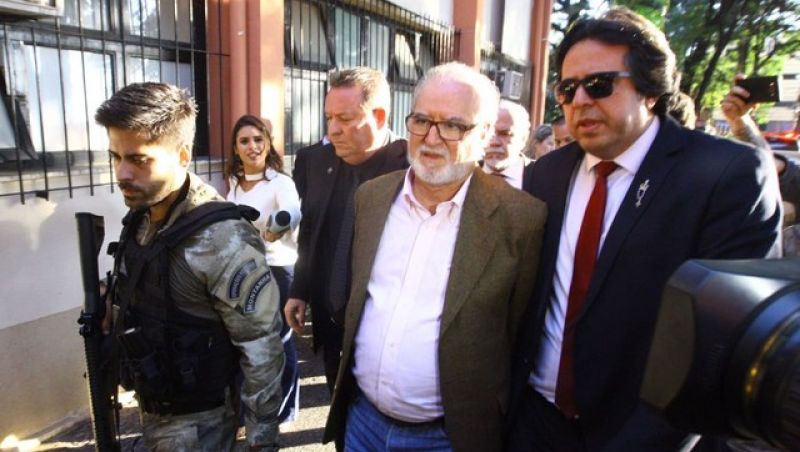 Ex-governador Eduardo Azeredo sai da prisão após Justiça de MG conceder alvará de soltura