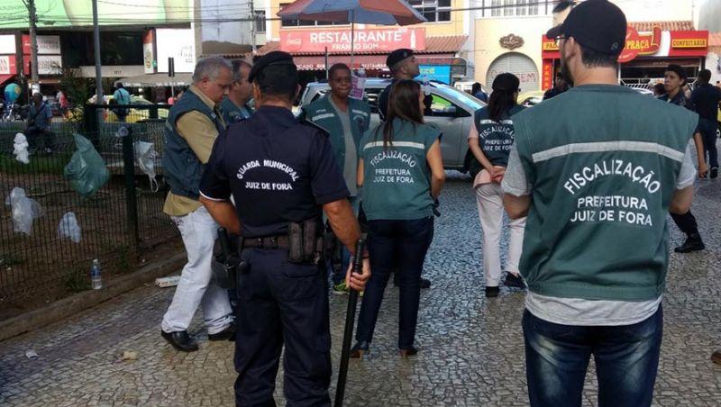 Ação da Guarda Municipal e PM resulta em duas prisões na Praça do Riachuelo em JF