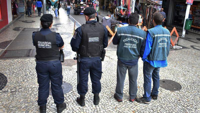 """""""A Cidade é Para Todos"""" - Novos fiscais de postura iniciam operações no Centro de JF"""
