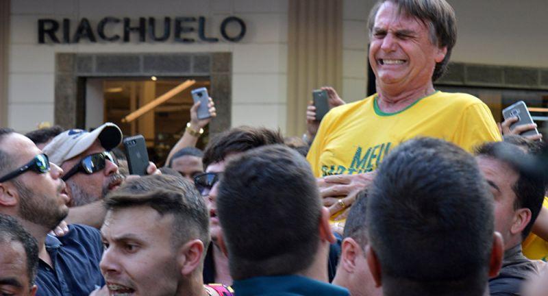Bolsonaro pede que PF esclareça ataque a faca que sofreu na campanha