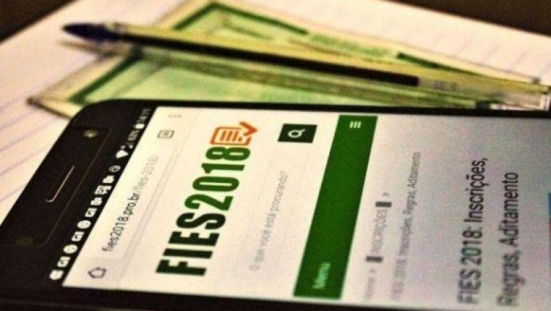 Número de beneficiários do Fies em situação irregular bate recorde