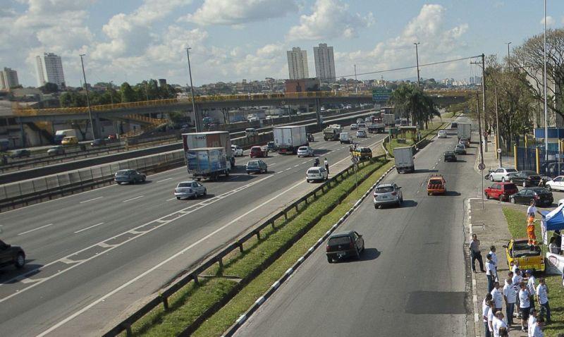 Pedágio da Via Dutra vai ficar 20% mais barato com nova concessão
