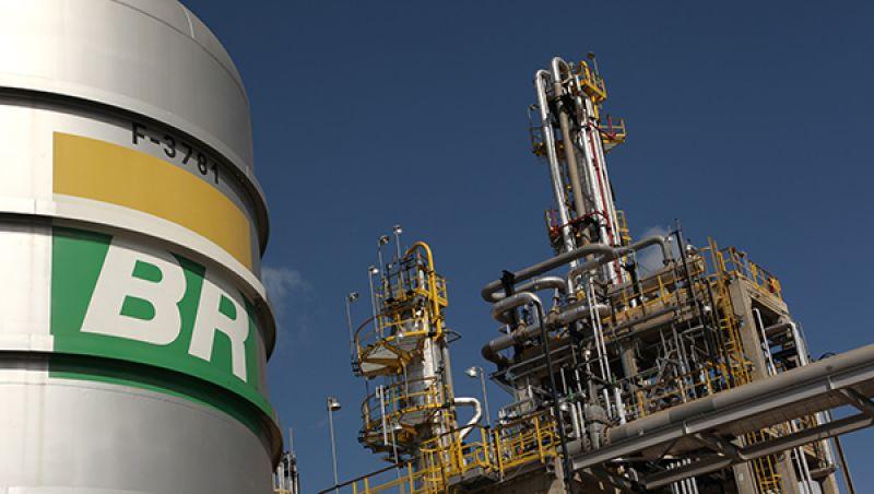 Bolsonaro não quer e não pode intervir em preços praticados pela Petrobras, diz porta-voz