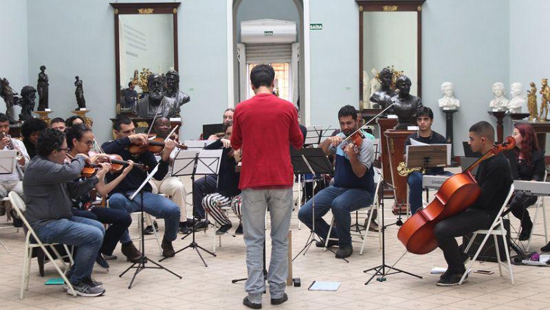 Tarde de música - Orquestra Acadêmica da UFJF faz apresentação no Museu Mariano Procópio