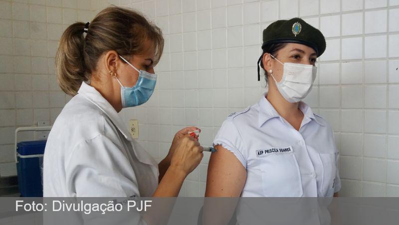 Forças de segurança começam a ser vacinadas em Juiz de Fora