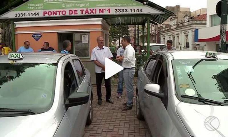 Taxistas cobram providências em relação ao Uber em Barbacena