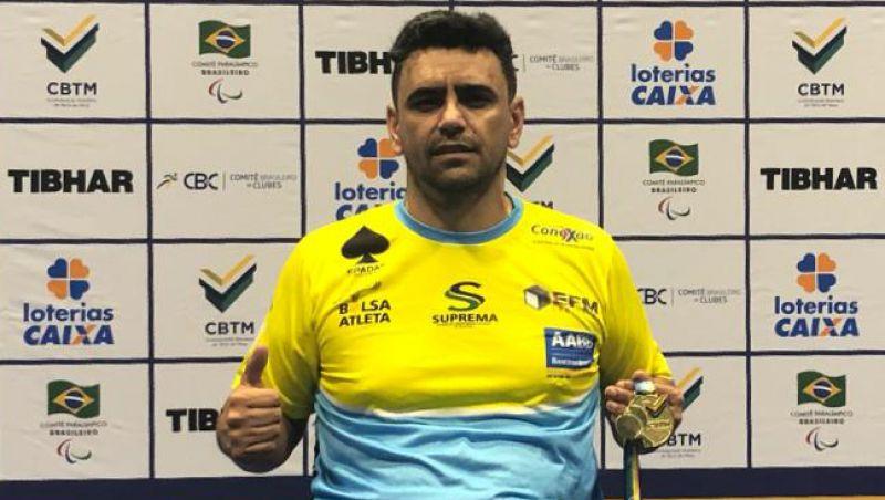 Mesatenista de JF Alexandre Ank é campeão brasileiro individual e por equipes