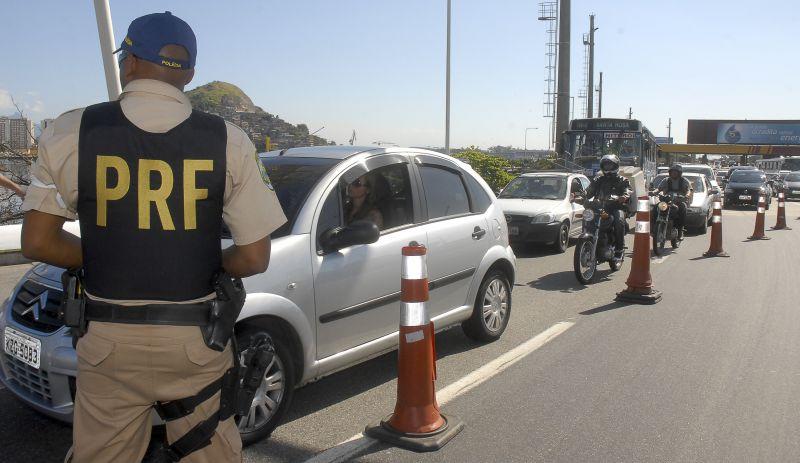 Acidentes nas estradas federais do Rio deixam cinco mortos e 104 feridos